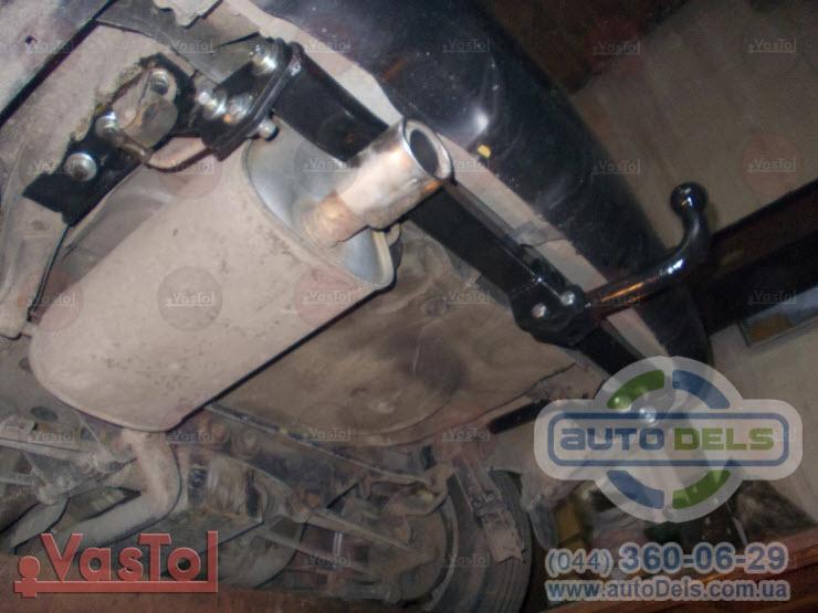 Установка фаркопа Subaru Forester 1997-2008