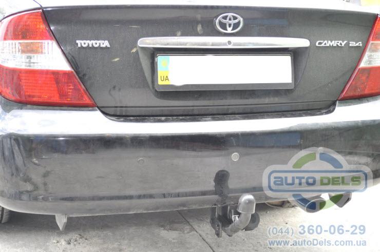 Установка фаркопа Toyota Camry 2004-2020