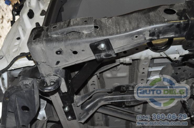 Установка фаркопа Toyota LC150 Prado 2009-2020