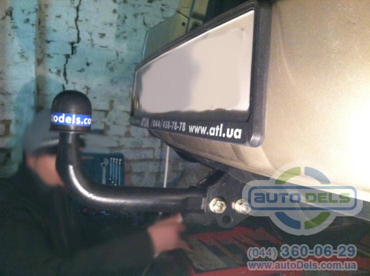 Установка фаркопа Toyota Rav4 2006-2012