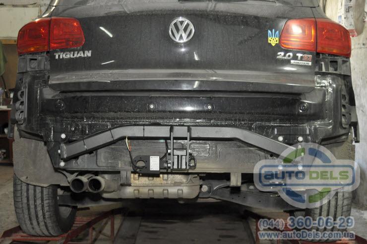 Установка фаркопа Volkswagen Tiguan 2007-2020